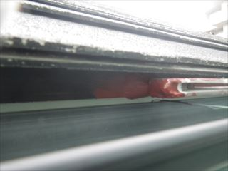屋根水切り金物の下塗り