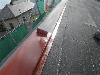 屋根金物の下塗り