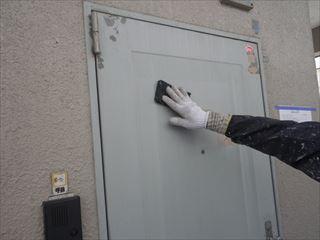 玄関ドアケレン