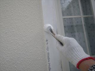 窓枠下塗り