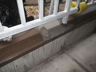 笠木水性防水中塗り