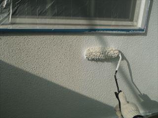ベランダ壁の下塗り