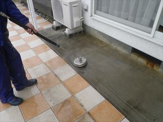 バルコニー土間高圧洗浄