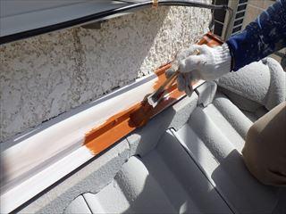屋根金物上塗り1回目