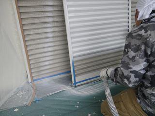 雨戸錆止め吹き付け塗装