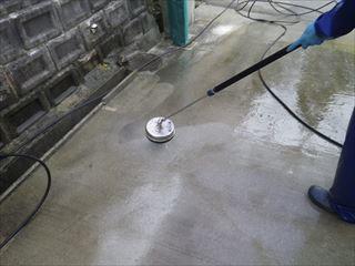 ガレージ土間の高圧洗浄