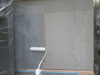 外構塀のシーラー塗り