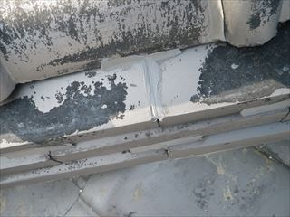 のし瓦の隙間シール処理