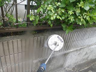 外塀の高圧洗浄