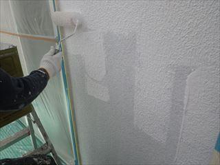 外壁下塗り微弾性フィラーパターン塗り