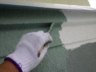 1階外壁上塗り刷毛塗り