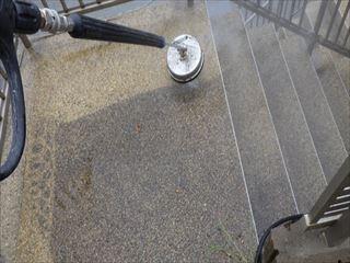 階段土間の高圧洗浄