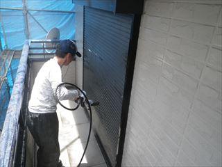 シャッターの洗浄
