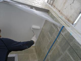 玄関軒の上塗り2回目