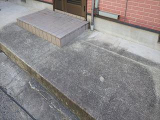 玄関前土間洗浄前