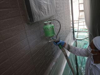 外壁上塗り吹き付け