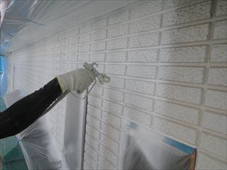 外壁下塗り吹付け