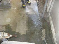 土間高圧洗浄